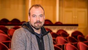 skådespelare max forsman fotograferad på svenska teatern