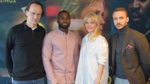 Närbild på regissören Simo Halinen och skådespelarna David Nzinga, Laura Birn och Samuli Vauramo.