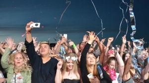 Publiken på David Guettas spelning på Ruisrock.