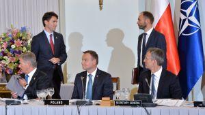 Vid Natotoppmötet i Warszawa.