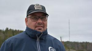 Kjell Eriksson vid gästhamnen i Korpo.