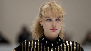 Närbild på skådespelaren Margot Robbie.
