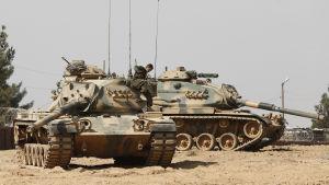 Den turkiska interventionen mot jihadister och kurder i norra Syrien kräver allt fler civila dödsoffer