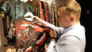 Pawel Szopa är vd för klädmärket, Red is bad