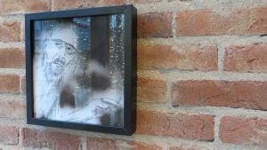 självporträtt av borgåkonstnären beni juslin