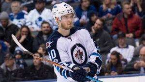 Joel Armia spelar ishockey för Winnipeg Jets i NHL.