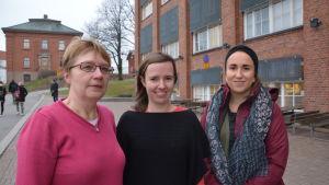 Karita Mård-Miettinen, Annika Peltoniemi och Johanna Latvala har alla sin del i den nystartade språkbadslärarutbildningen i Vasa.
