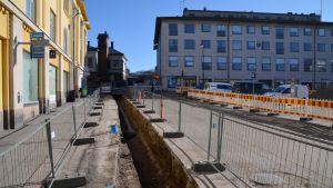 Krämaregatan har grävts upp 29.03.17