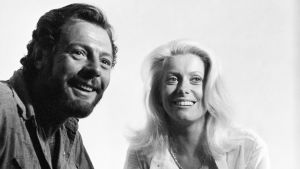 Marcello Mastroianni ja Catherine Deneuve. Kuva tv-dokumentista Marcello Mastroianni, aito italialainen.
