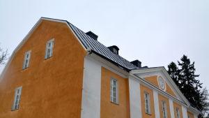 Orange hus