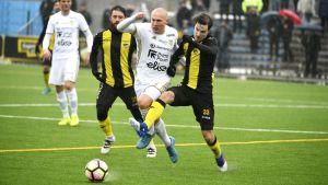 FC Honka avancerade till semifinal i finska cupen där man förlorade efter straffar mot SJK.