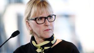 Sveriges utrikesminister Margot Wallström efter ett möte med kollegan Timo Soini i Helsingfors.