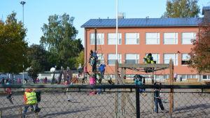 Kvarnbackens skola.