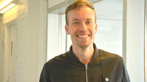 Joakim Träskelin är idrottsproducent på Folkhälsan utbildning