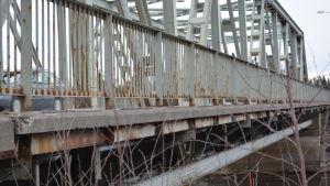 Fårholmsbron är i dåligt skick