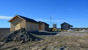 Meteorian på Söderfjärden har fått två nya byggnader. De öppnas för allmänheten sommaren 2018.