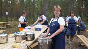 Inga Mannström serverade ärtsoppa under