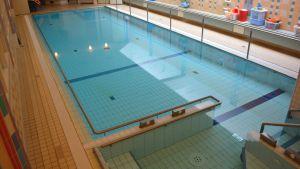 servicehuset lindas simbassäng