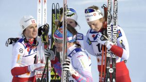 Norges damer tog alla medaljer på tremilen i Lahtis.