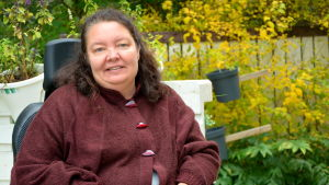 Maria Lindell lider av sjukdomen SPS.