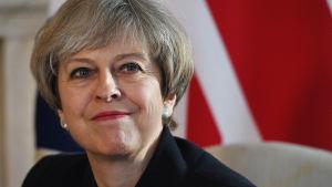 Porträtt av Theresa May.