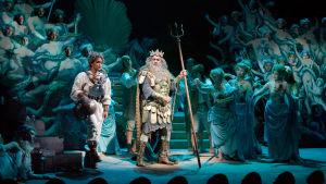Danielle de Niese ja Plácido Domingo oopperassa Lumottu saari (The Enchanted Island)