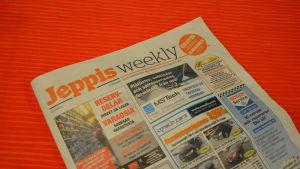 Första numret av gratistidningen Jeppis Weekly.