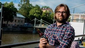 Mikael Sangder.