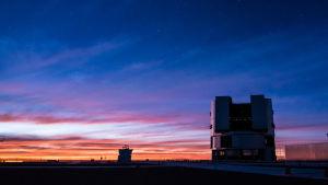 Ett av teleskopen i Paranal, Chile.