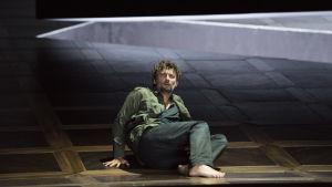 Jonas Kaufmann oopperassa Fidelio Salzburgin juhlaviikoilla 2015