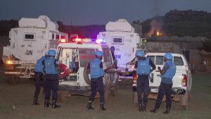 Säkerhetsstyrkor bevakar området efter terrorattacken.