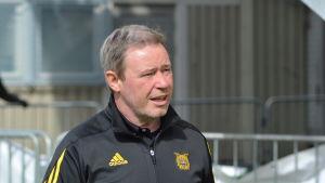 Keith Armstrong tränar Ilves i fotbollsligan.