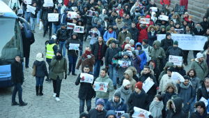 Asylsökande demonstrerade mot Finlands flyktingpolitik i Helsingfors den 3 december 2016.