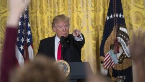 Donald trump under presskonferensen i Vita huset, torsdagen den 16 februari.