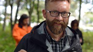 Naturredaktör Joakim Lax