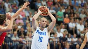 Tuukka Kotti representerar Finlands basketlandslag.