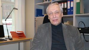 Professor Nils-Erik Villstrand