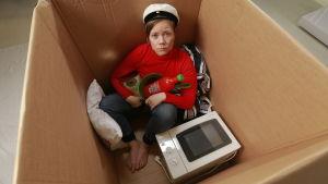 x3ms version av moderskapslådan, fast en låda för studerande.