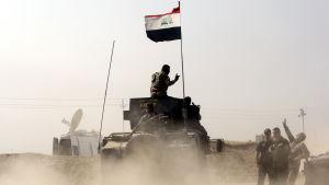 Irakiska specialstyrkor intog under veckoslutet landets största kristna stad Bartilla som ligger 15 kilomer sydost om Mosul