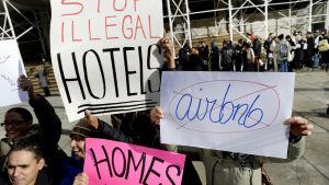 Invånare i New York protesterar mot Airbnb