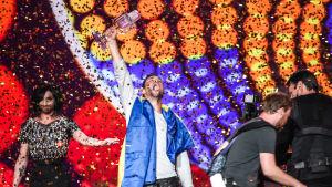 Eurovision Laulukilpailuiden 2015 voittaja Måns Zelmerlöw (Ruotsi)