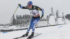 Matti Heikkinen i elden i Lahtis i världscupen 2016.