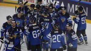 Finlands ishockeylejon besegrade USA i kvartsfinalen.