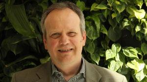 Magnus Cederlöf är miljöråd på Miljöministeriet.