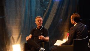 Kirjailijat Tore Renberg (NO)  ja Philip Teir