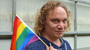Skådespelare Kim Gustafsson från gaykören Out 'n Loud
