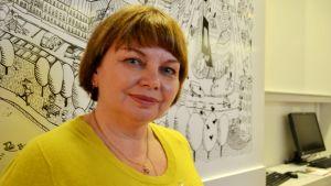 Tatjana Sjevtjenko besökte Diakoni-institutet i Helsingfors.