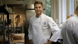 Samuel Mikander är med i kocklandslaget.