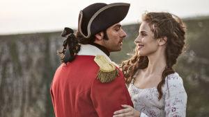 Ross Poldark (Aidan Turner) ja Elizabeth (Heida Reed)