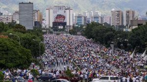 Centrum av Caracas då demonstranterna börjdade samlas på onsdagen 26.10.2016